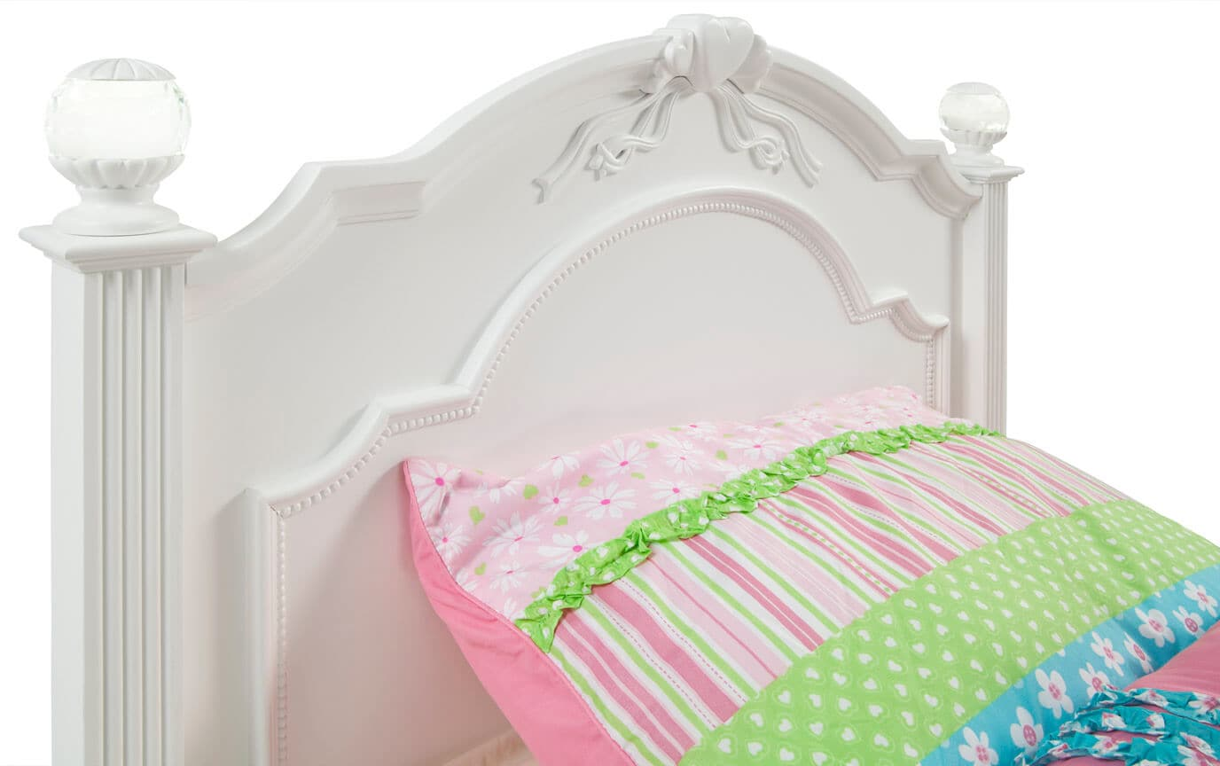 Madelyn Youth Twin White Bedroom Set