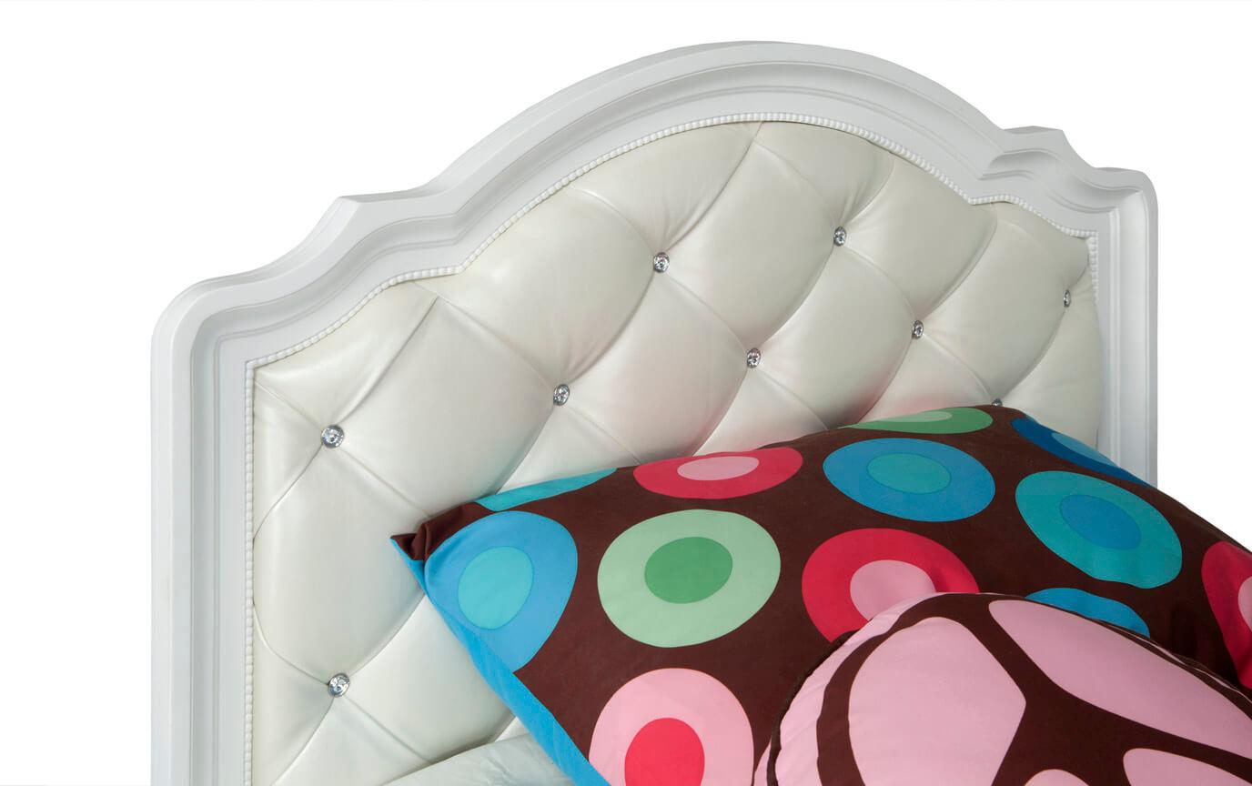 Madelyn Full White Upholstered Bed