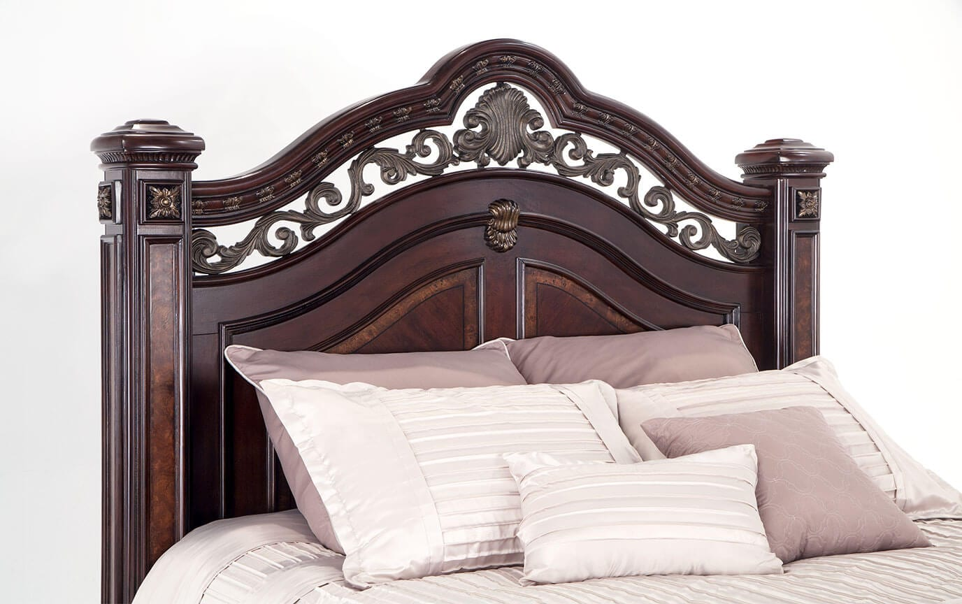 Grand Manor Bed