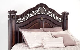 Grand Manor Queen Bed