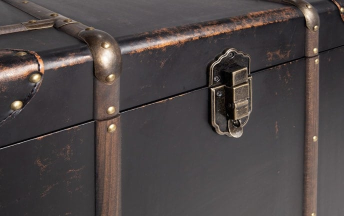Gulliver Trunk Nesting End Tables