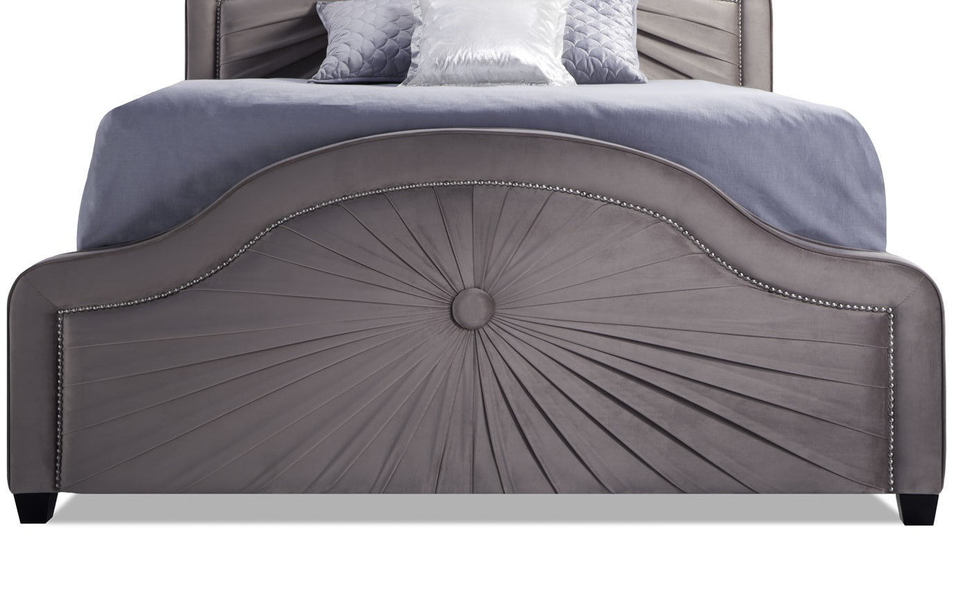 Salon Queen Bed