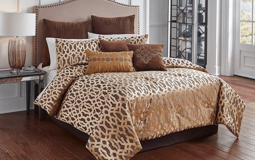 Chambre Comforter Set