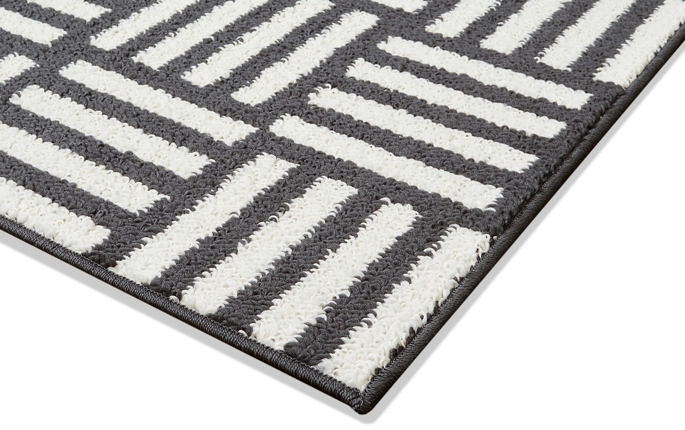 Charcoal Scratch Rug 5' x 7'