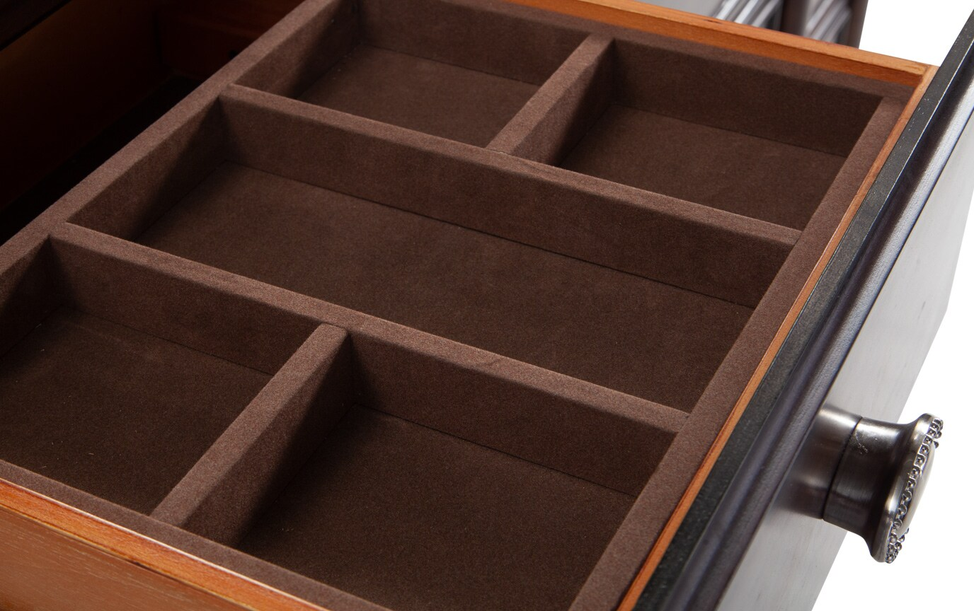 Hanover Dresser