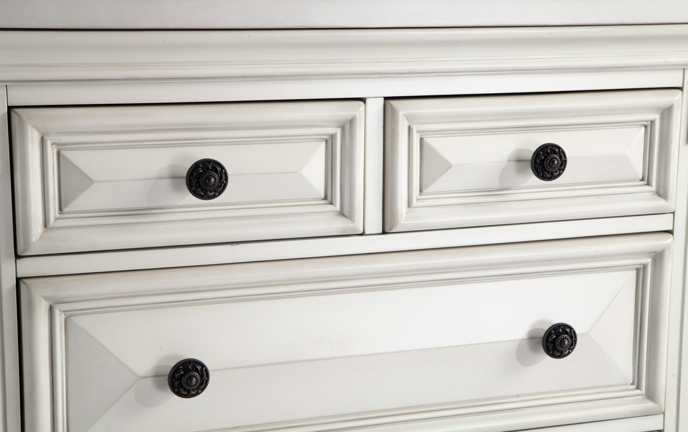 Palisades White Lift-Top Chest