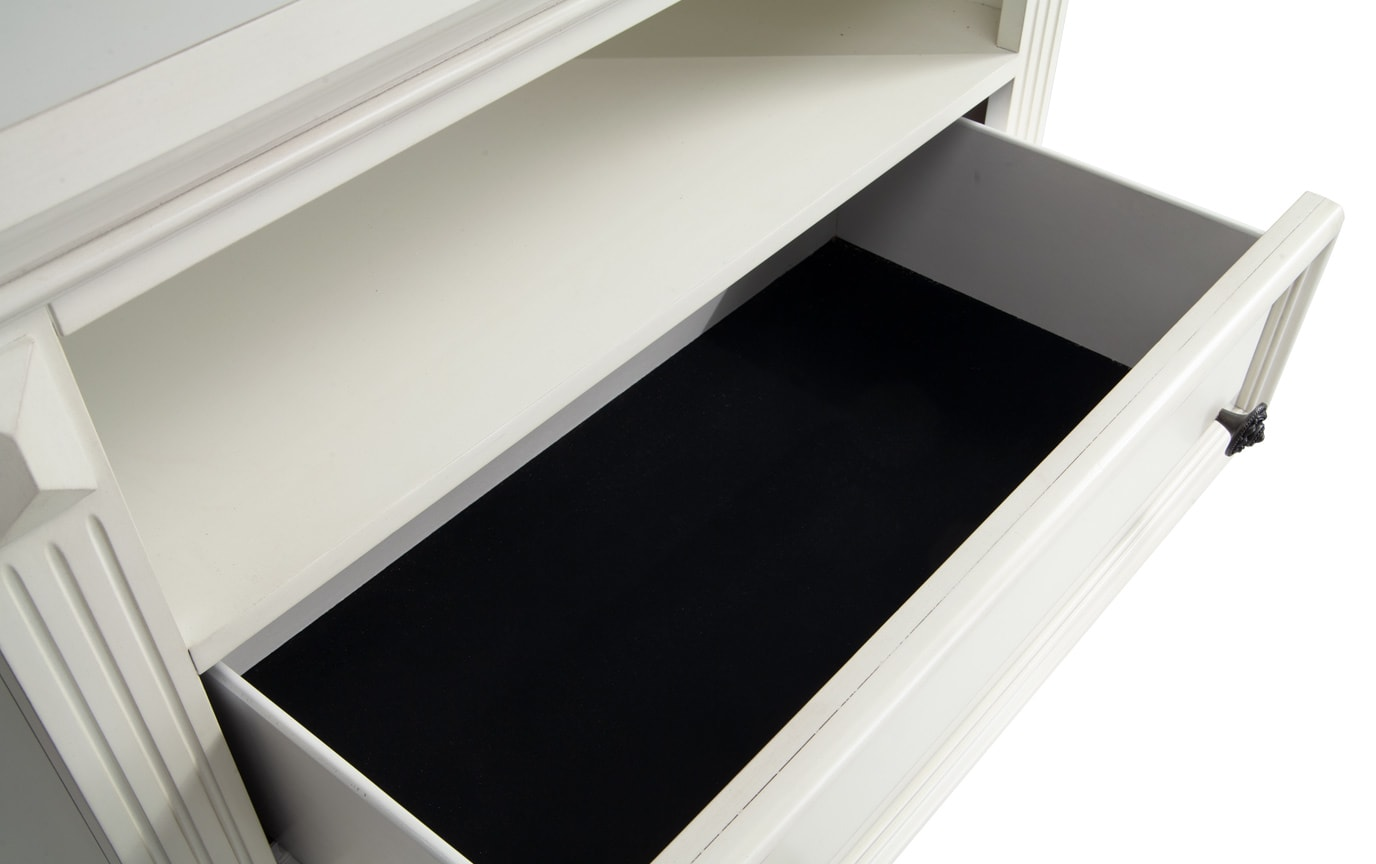 Palisades TV Chest