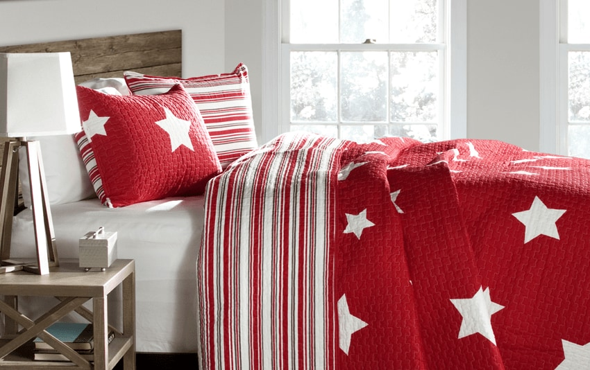 Bright Stars 2 Piece Twin Quilt Set