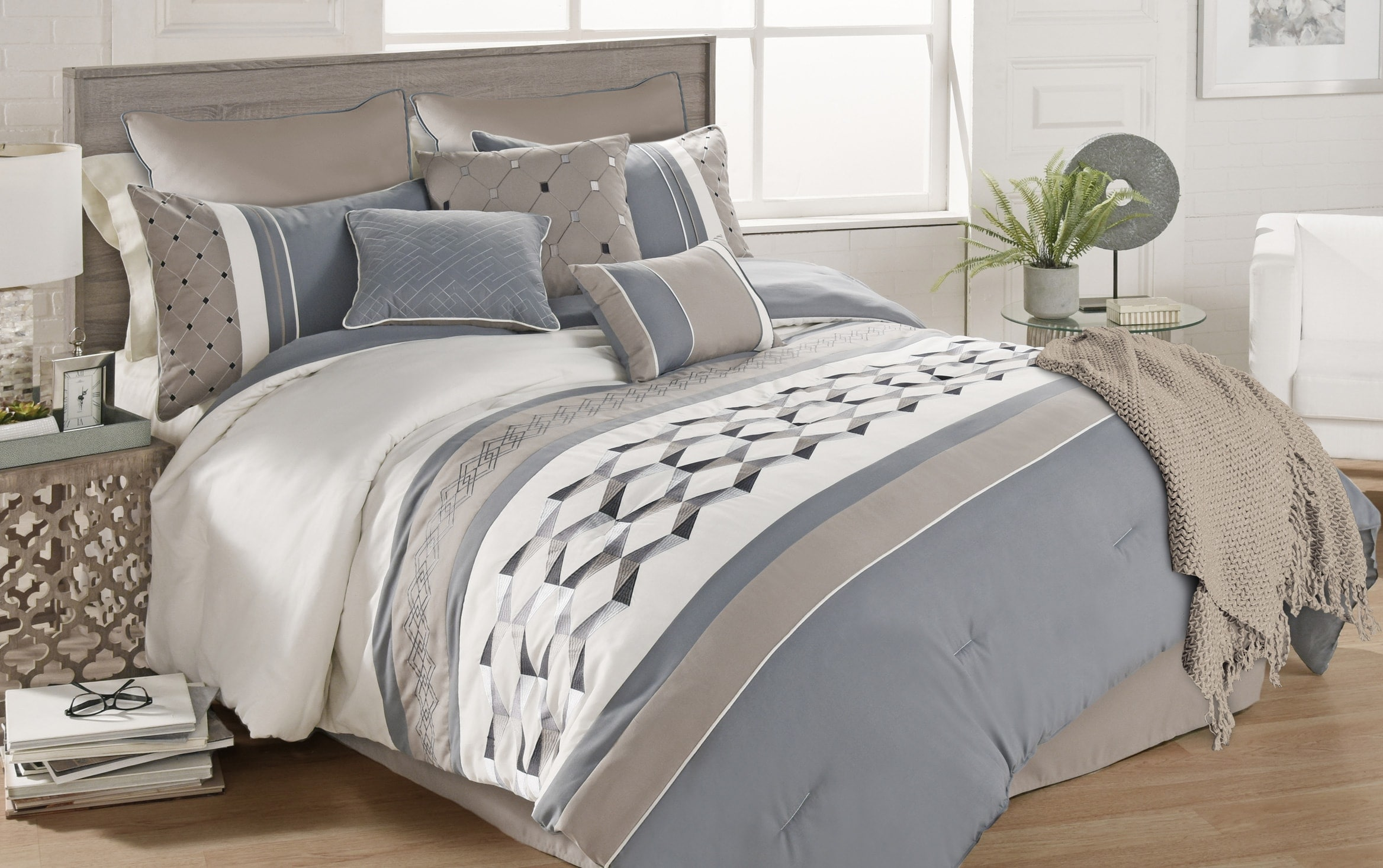 Huntington 10 Piece Queen Comforter Set Bobs Com